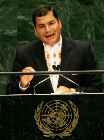 Ecuadorans grant new powers to president