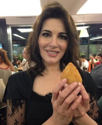Nigella Lawson given special visa for New Zealand