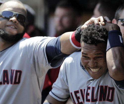 Cleveland Indians ride bases-loaded walks to win over Cincinnati Reds