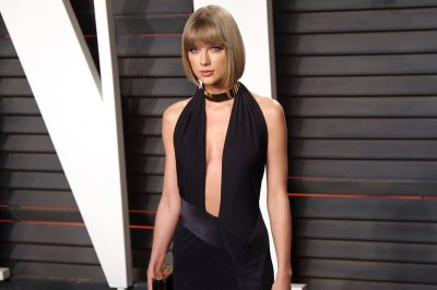 Taylor Swift holds private concert for foster and adoptive families