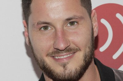 Val Chmerkovskiy, Jenna Johnson marry in Palo Verdes, Calif.