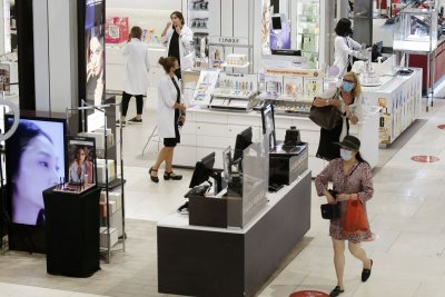 U.S. retail sales slowed in July, but grew for 3rd straight month