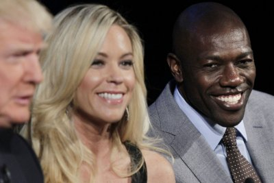 Terrell Owens gets the boot on 'Celebrity Apprentice'