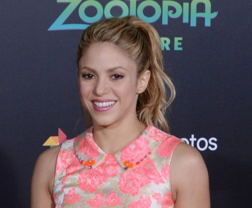 Shakira postpones tour due to vocal cord hemorrhage