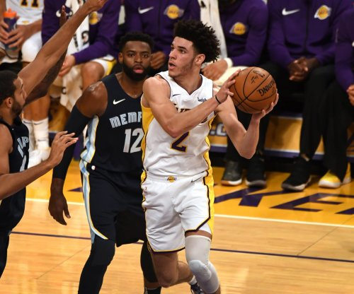 Los Angeles Lakers host Dallas Mavericks, set sights on strong finish