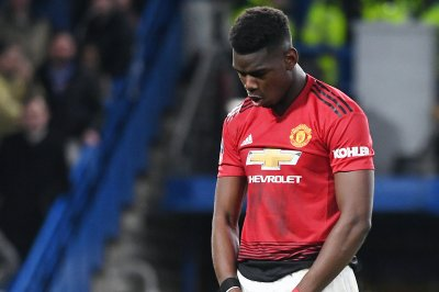 Manchester United's Paul Pogba dominates Chelsea with sniped cross, header