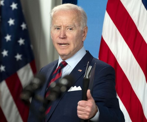 Pelosi formally invites Biden to address joint session of Congress April 28