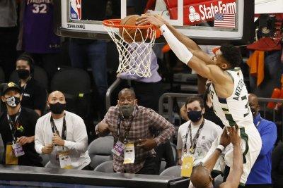 Bucks edge Suns in Game 5 of NBA Finals, take 3-2 series lead