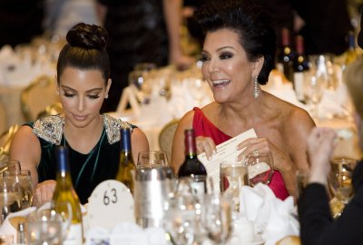 Kris Jenner tries marijuana for the first time on 'KUWTK'