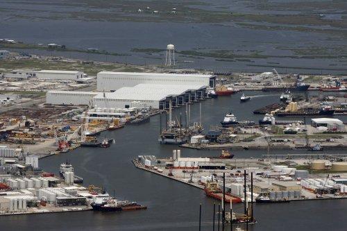 Shots fired in U.S. oil export row