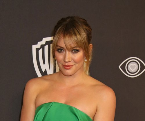 Hilary Duff says son Luca discovered she's famous