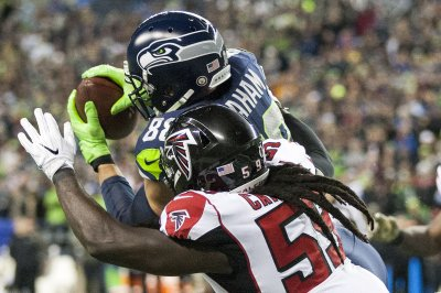 Atlanta Falcons hang on to defeat Seattle Seahawks