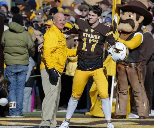 Wyoming's Allen apologizes after racist tweets resurface