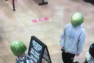 Alleged thieves wore watermelons over heads at grocery store