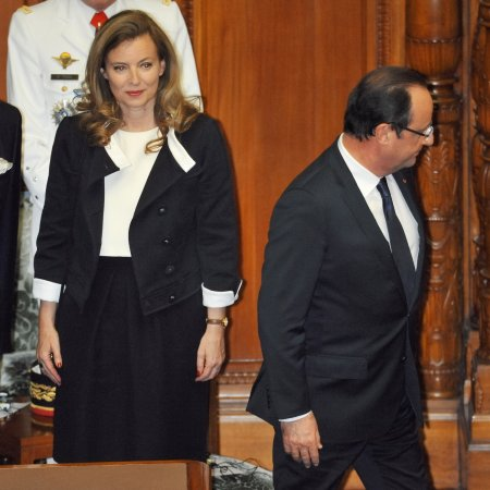 French President Hollande's ex-girlfriend publishes tell-all book