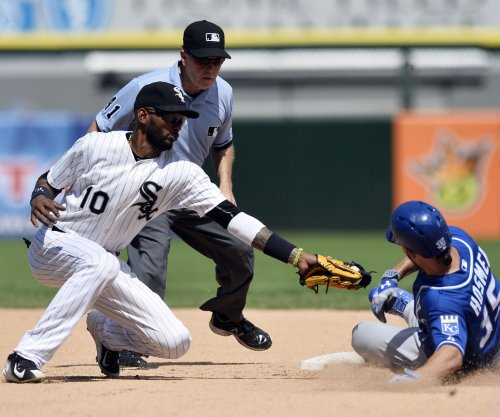 San Diego Padres reach deal with SS Alexei Ramirez