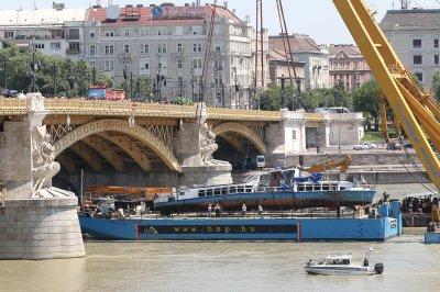 Captain accused in tour boat crash declines plea deal