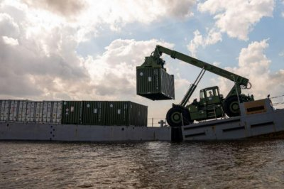 Marines upgrade 'Monster Machine' cargo lifter