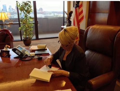 Arizona Gov. Jan Brewer vetoes 'religious freedom' bill