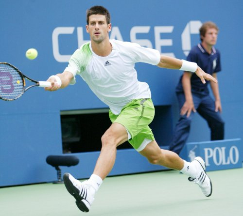 Djokovic takes first-rounder in Dubai