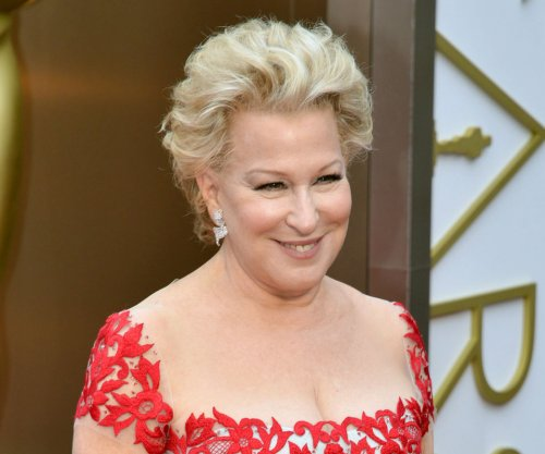 Bette Midler shoots down hopes for 'Hocus Pocus 2'