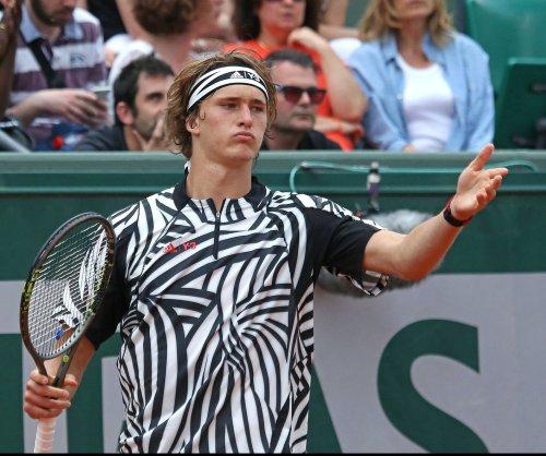 Alexander Zverev upsets Roger Federer in Weber semifinal