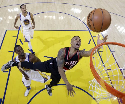 Damian Lillard helps Portland Blazers to 10th straight win over Los Angeles Lakers
