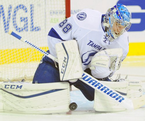 Tampa Bay Lightning rally, defeat Chicago Blackhawks in OT