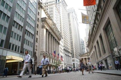 ADP-Moody's report: U.S. added 125,000 jobs in October