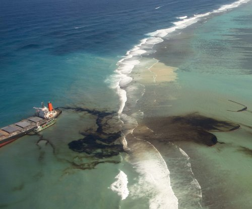 Mauritian prime minister seeks compensation for oil spill