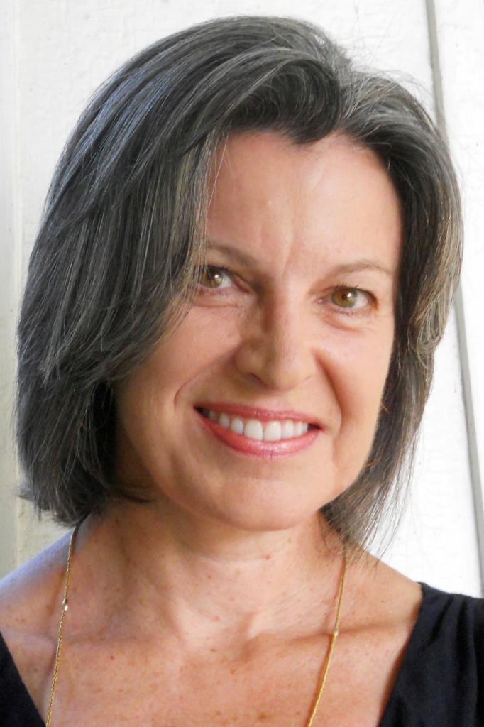 获得普利策奖的诗人Claudia Emerson去世了