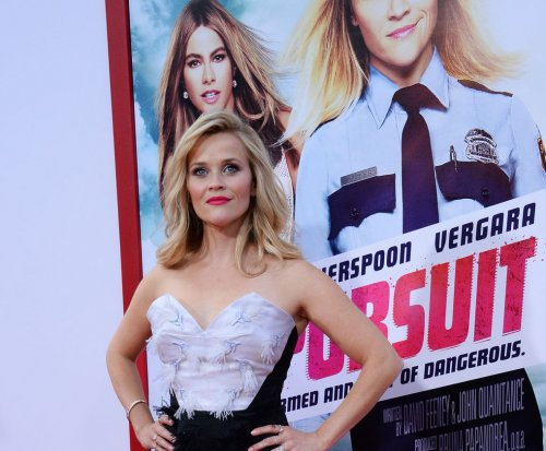 Reese Witherspoon and daughter Ava look like twins
