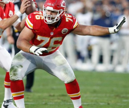 Chiefs OL Laurent Duvernay-Tardif wants 'M.D.' on his jersey