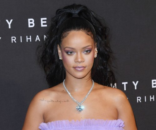 Rihanna says Drake's VMAs speech was 'uncomfortable'