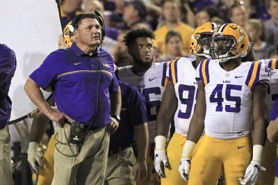 No. 7 LSU Tigers looking for improved offense vs. Rice