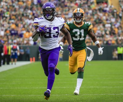 Vikings RB Dalvin Cook scorches Packers on 75-yard TD run