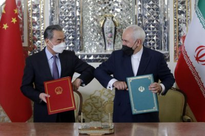 Iran, China announce 25-year trade agreement