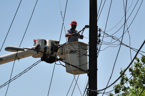 Power outages, heat plague East