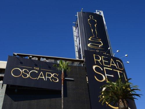 Jack Nicholson, Dustin Hoffman to be Oscar presenters