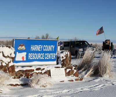 Oregon occupiers may surrender Thursday; Cliven Bundy arrested