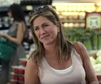 Jennifer Aniston, Kate Hudson star in 'Mother's Day' trailer