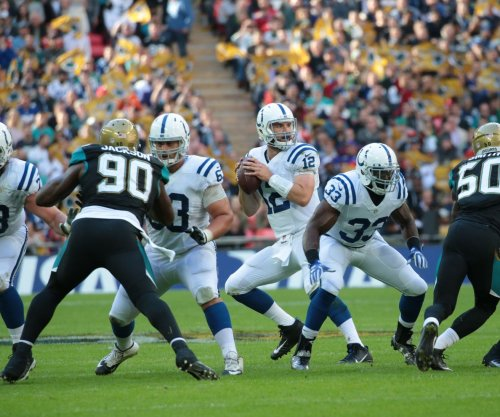 Jim Irsay unconcerned about Andrew Luck's shoulder