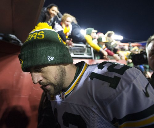 Green Bay Packers QB Aaron Rodgers questionable for Sunday