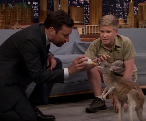 Robert Irwin, Jimmy Fallon feed baby kangaroo on 'Tonight Show'