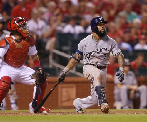 Eric Thames' 9th-inning HR sends Milwaukee Brewers past St. Louis Cardinals