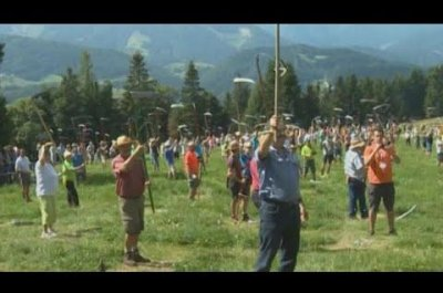 Slovenians set Guinness record for scything