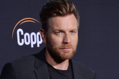 Ewan McGregor confirms Obi-Wan series at D23