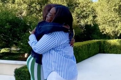 Oprah Winfrey, Gayle King share hug after two weeks of quarantine