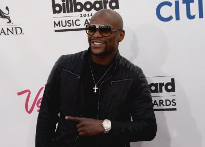 Floyd Mayweather, rapper T.I. brawl over Instagram photos in Las Vegas
