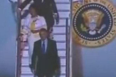 Obama lands in Jamaica for first official visit, 2nd ever for U.S. president